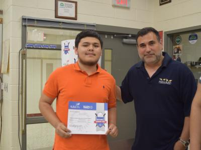Student is recognized for his commitment to study engineering.